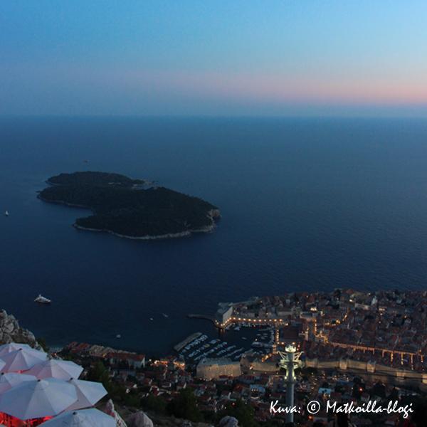 Sininen hetki Srd-vuorella, Dubrovnikissa. Kuva: © Matkoilla-blogi