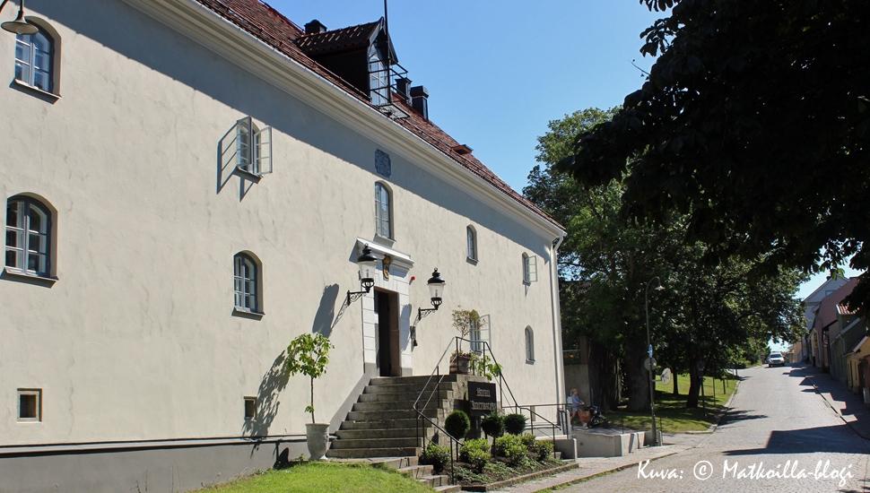 Hotel Slottsbacken sijaitsee rauhallisella alueella Visbyn muurien sisäpuolella. Kuva: © Matkoilla-blogi