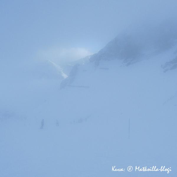 Zehnerkarspitzen pilvessä laskua. Kuva: © Matkoilla-blogi