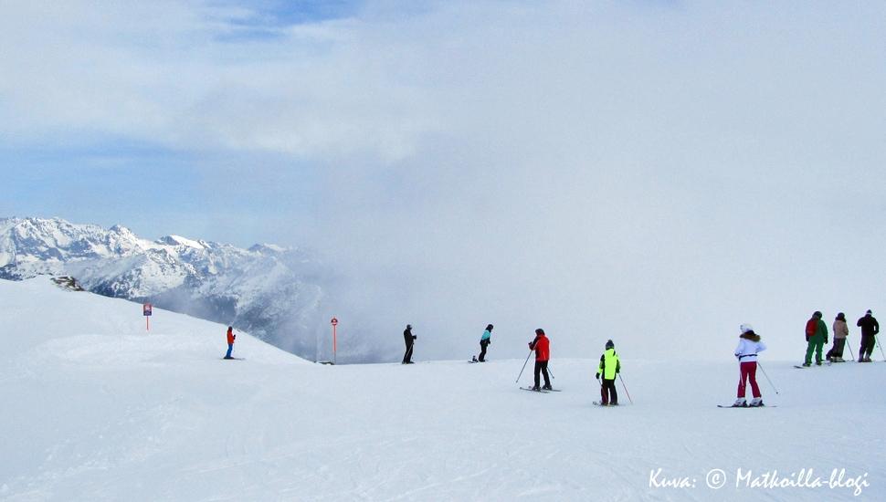 Zehnerkarspitze - pilvet hälvenevät. Kuva: © Matkoilla-blogi