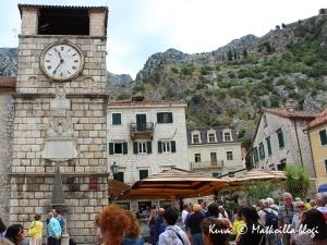Kotorin keskustasta löytyy niin turistien tungosta... Kuva: © Matkoilla-blogi