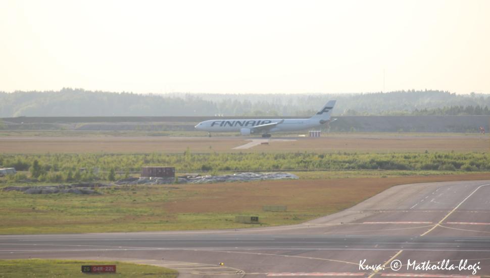 Fiinairin Airbus A330 lähdössä Helsinki-Vantaalta. Kuva: © Matkoilla-blogi