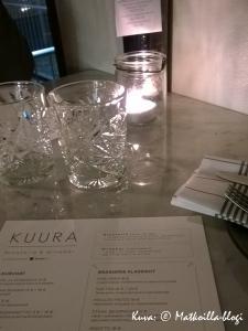 Ravintola Kuuran ruokalista oli - kuten hyvässä bistroravintolassa kuuluukin - lyhyt ja ytimekäs. Kuva: © Matkoilla-blogi