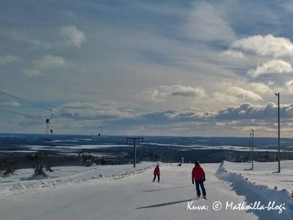 Levin Etelärinteet - leppoisaa laskettelua pitkissä, aurinkoisissa rinteissä. Kuva: © Matkoilla-blogi