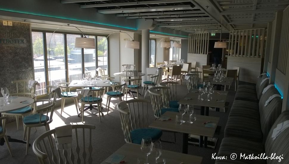 Yksi kahdeksannen kannen uusista ravintoloista on Bistrotek. Kuva: © Matkoilla-blogi