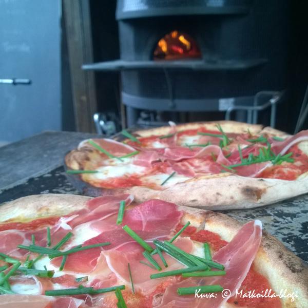 Kellohallin pizza, ahh.... Kuva: © Matkoilla-blogi