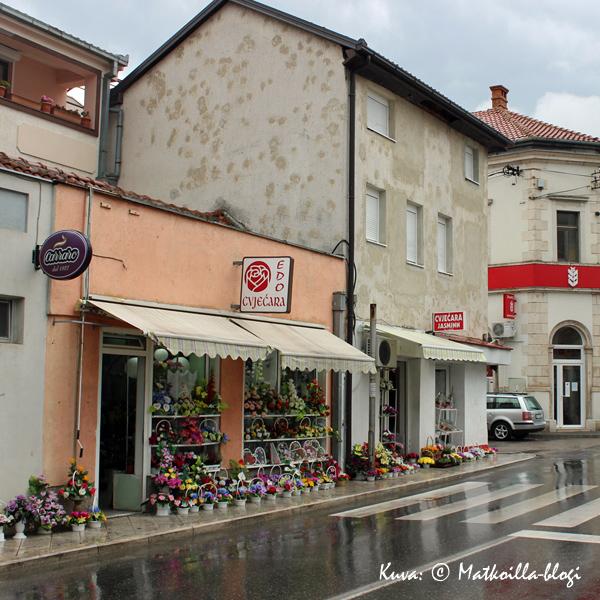 Mostar_kukkakauppa_Kuva_©_Matkoilla-blogi