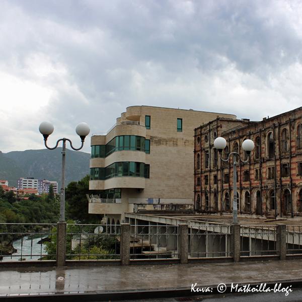 Mostar_vanha_vs_uusi_Kuva_©_Matkoilla-blogi