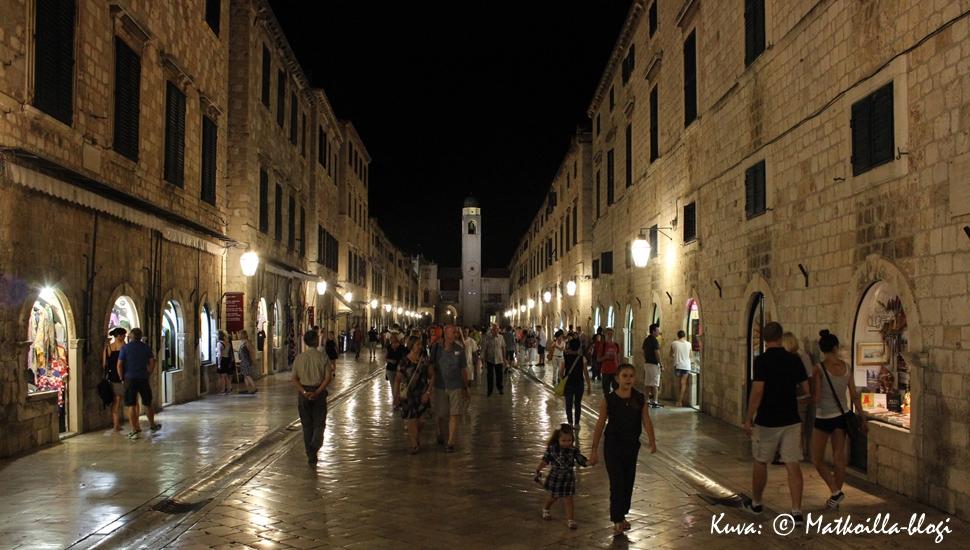 Kuukauden kuva, syyskuu 2016: Dubrovnikin vanhakaupunki, Stradun. Kuva: Matkoilla-blogi
