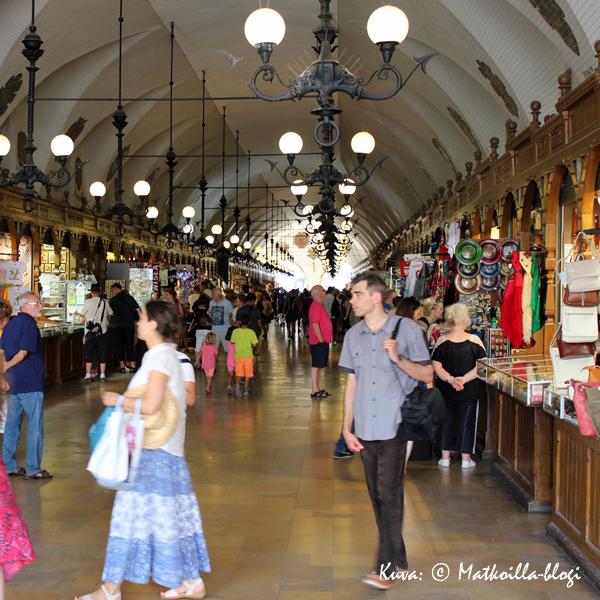 Krakova: Sukiennice. Kuva: © Matkoilla-blogi