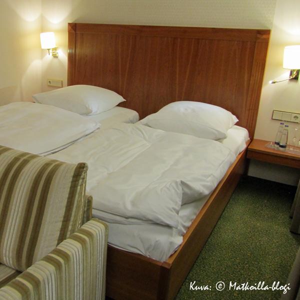 Freising_Hotel_Bayerischer_Hof_huone_Kuva-©-Matkoilla-blogi