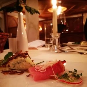 Upea talvilomaviikko takana Obergurglissa eik vhiten Hotel Madeleinen upeiden illallistenhellip