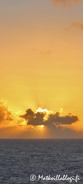 Kuukauden kuva, kesäkuu 2018: Auringonlasku Karibialla.. Kuva: © Matkoillablogi.fi