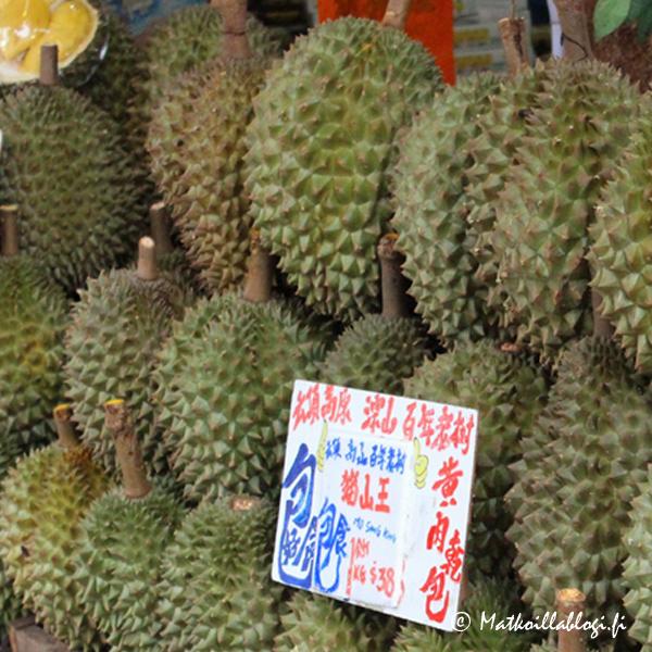 Myös Chinatownissa voi tietysti maistaa Duriania mikäli rohkenee. Me jätimme tämän pahamaineisen hedelmän suosiolla toiseen kertaan - kaikkea kun ei tarvitse maistaa.