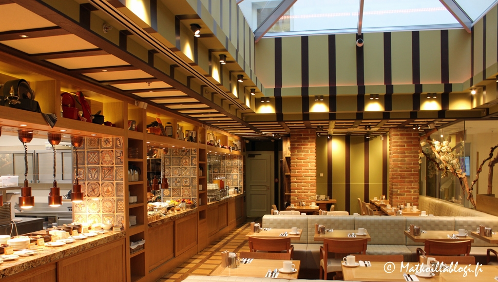 Praha: Cosmopolitan Hotel, aamiaishuone