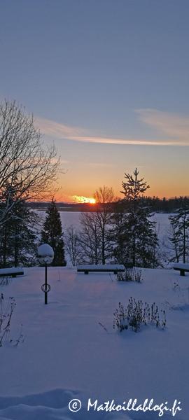 Kuukauden kuva, helmikuu 2019: Laajalahti Tarvaspään pihalta. Kuva: © Matkoillablogi.fi