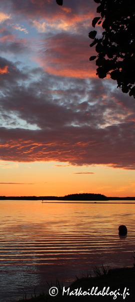 Kuukauden kuva, elokuu 2019: Auringonlasku Saimaalla. Kuva: © Matkoillablogi.fi