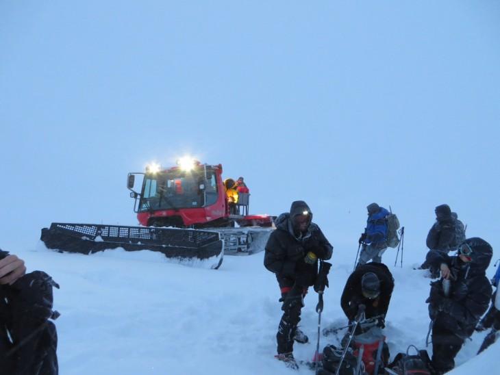 Lumikissan kyydillä 4800 metriin