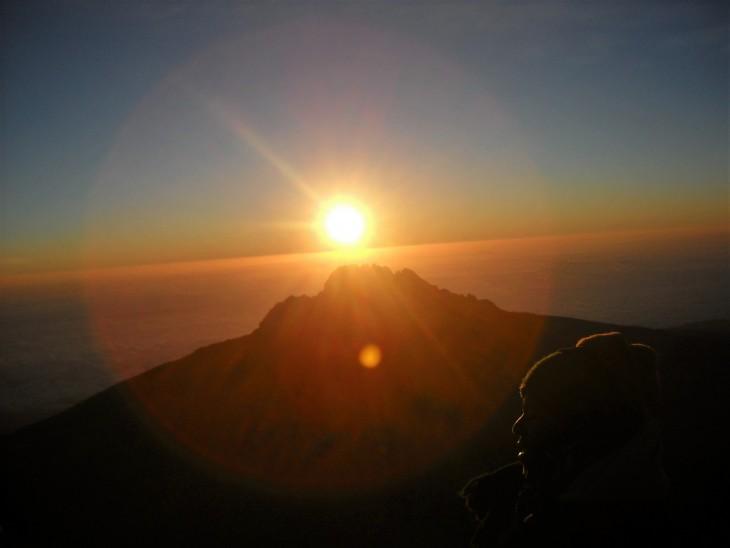 auringonnousu_kilimanjaro