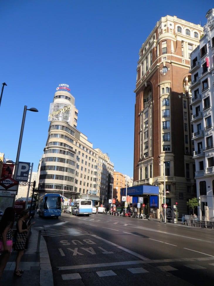 Madridin pääkatu Gran Via