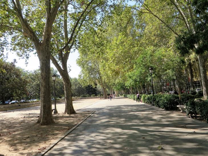 Parque cerca Plaza de Cibeles