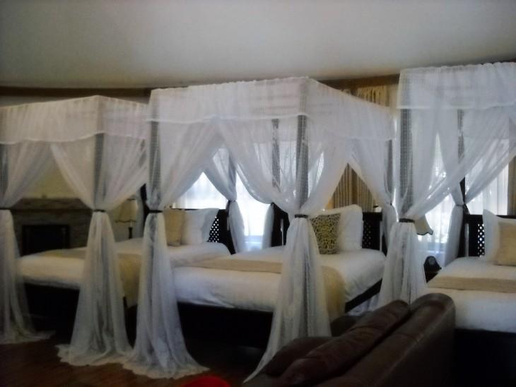 Ganako Luxury Lodgen kolmen hengen huone, jonka sain omaan käyttöön