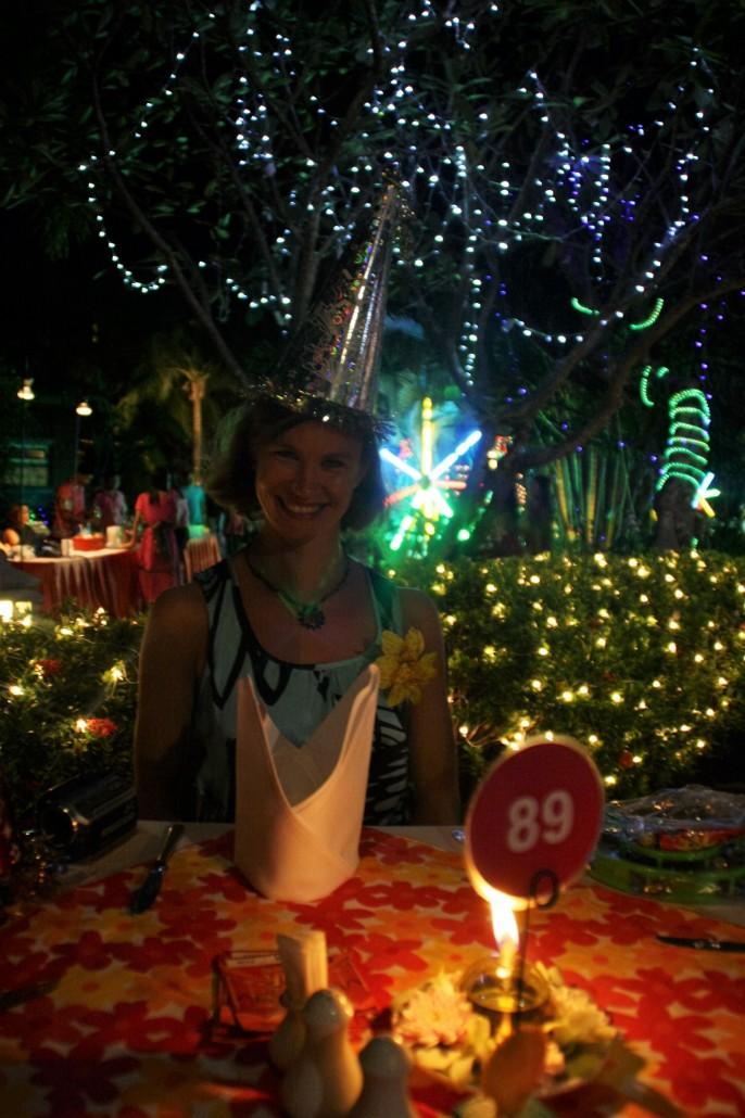 Hotellin uudenvuoden juhlissa Karon Beachilla