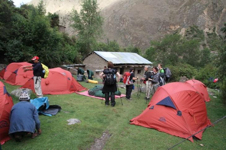Ensimmäinen leiripaikka Huayllabamban kylän lähellä
