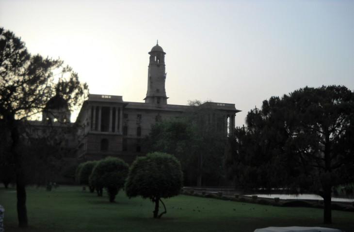 Delhistä löytyi kauniita puistoja.