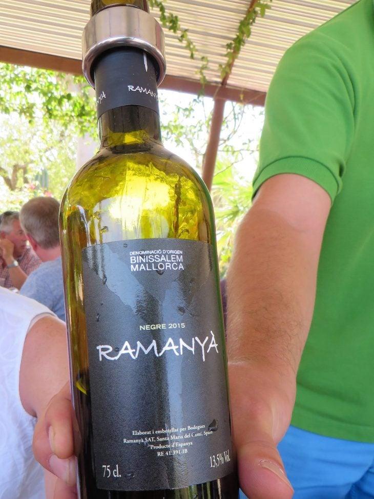 ramanya_vino_negro