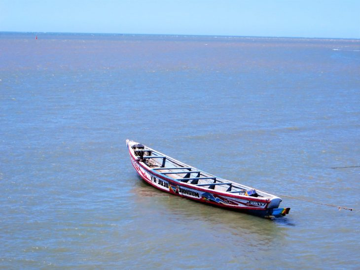 lonely_boat_senegal