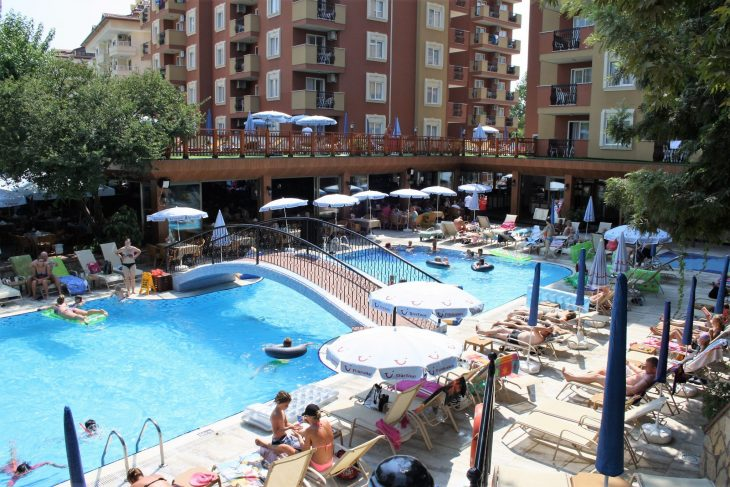 alanya_flowergarden_pool