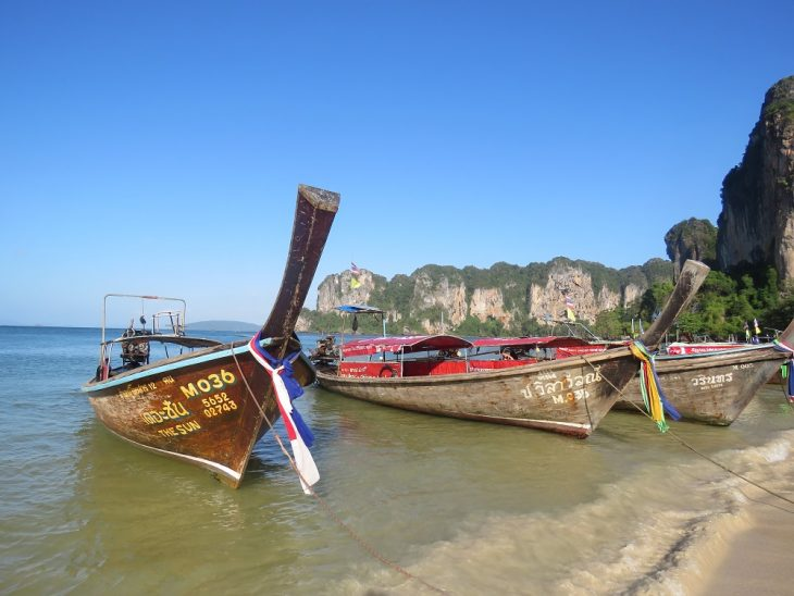railay_longtailboats