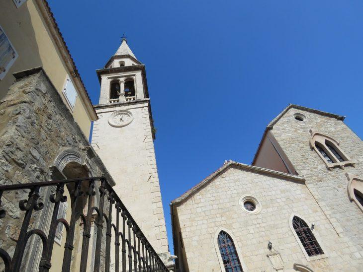 kirkko Budvassa