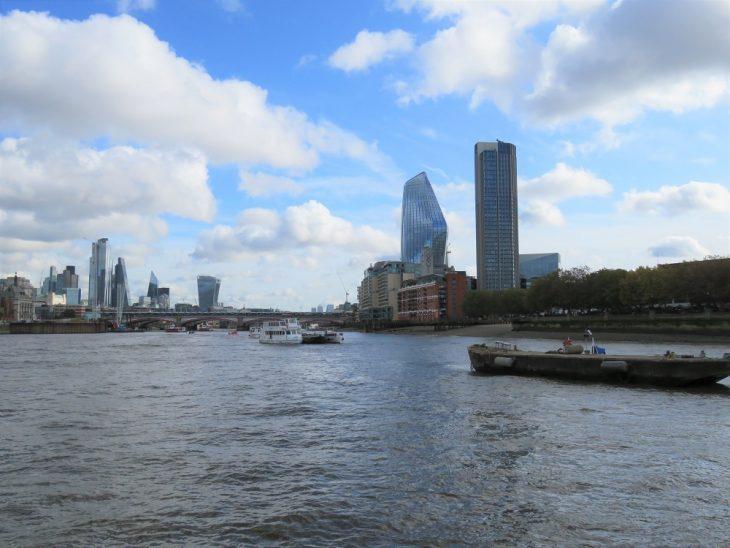 Thamesin jokiristeilyllä