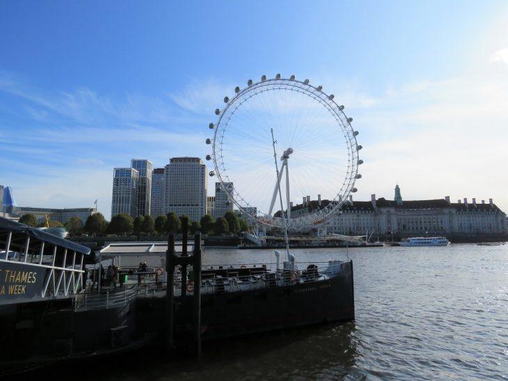 Thames taustalla London eye