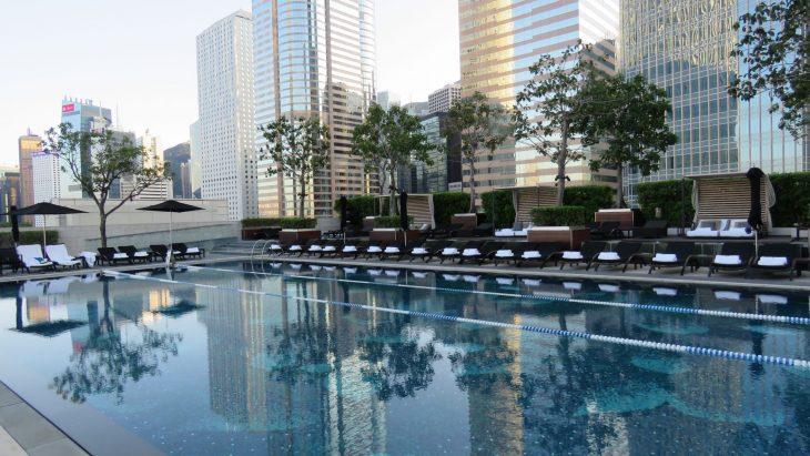 Four Seasons Hongkong hotellin uima-allas