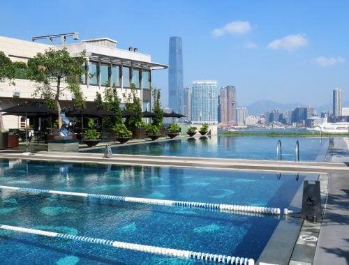 Fourseasons_hongkong_pool_morning