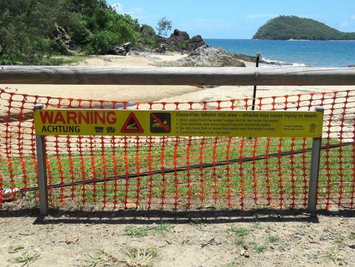 krokotiileista varoittava merkki