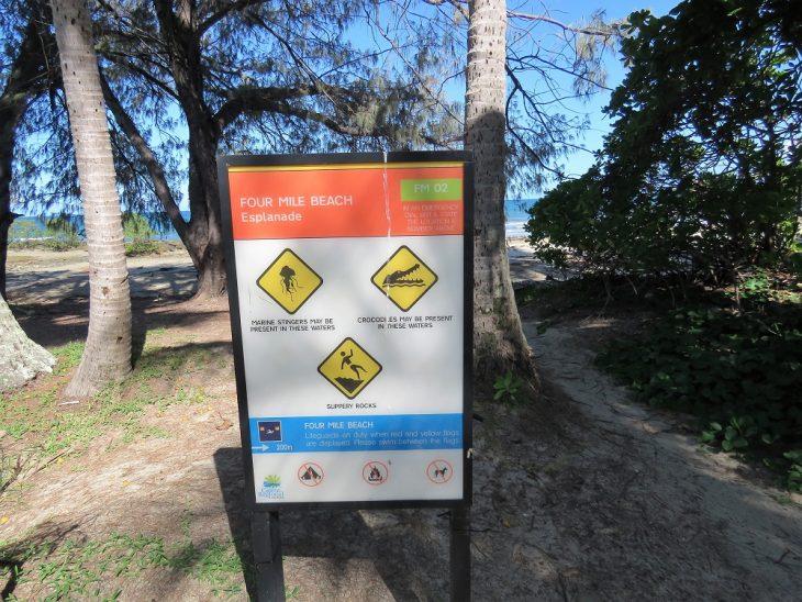 four-mile-beach-varoituskyltti