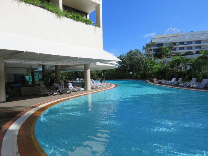hilton-cairns-pool