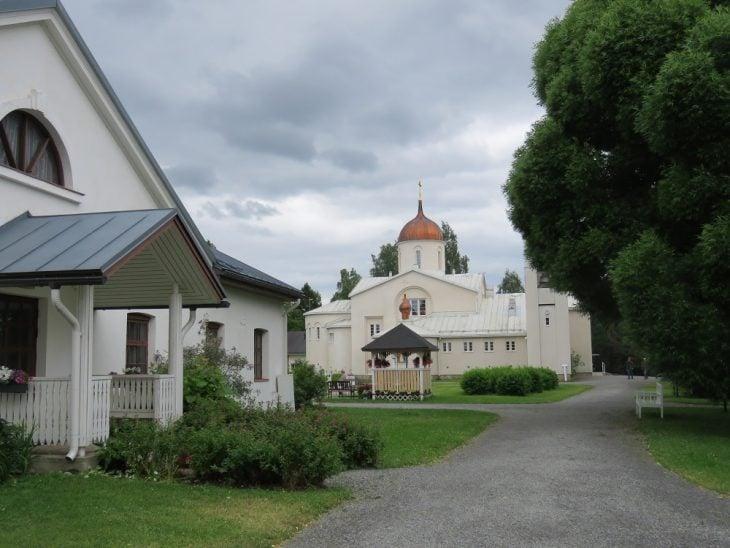 valamon-luostari-pihapiiri