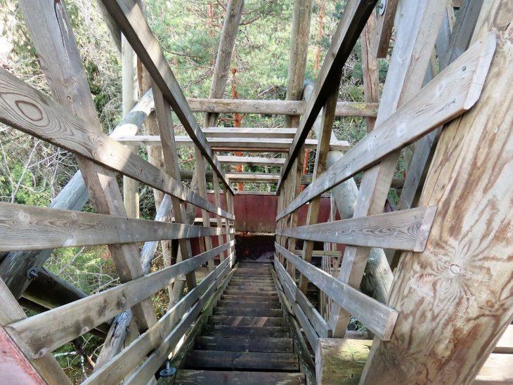 luhdanjoen-puiset-portaat