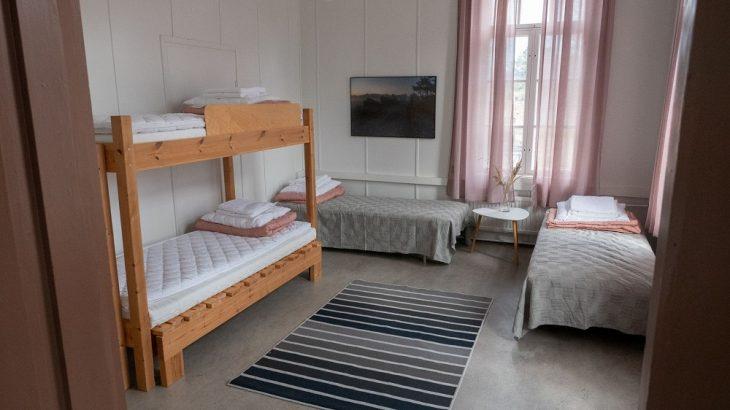 upseerin-toimisto-makuuhuone