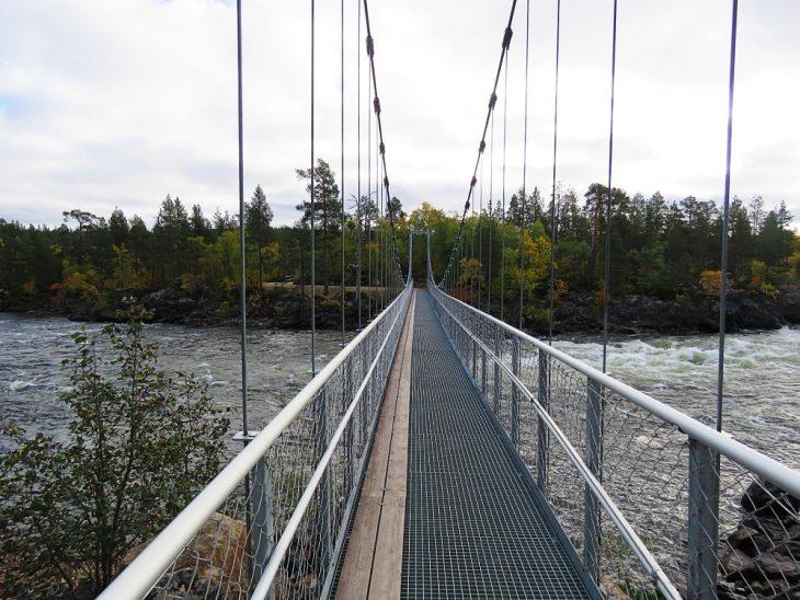 inari-janiskoski-silta-edesta