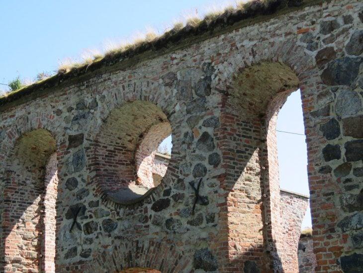 pyhan-marian-kirkon-rauniot