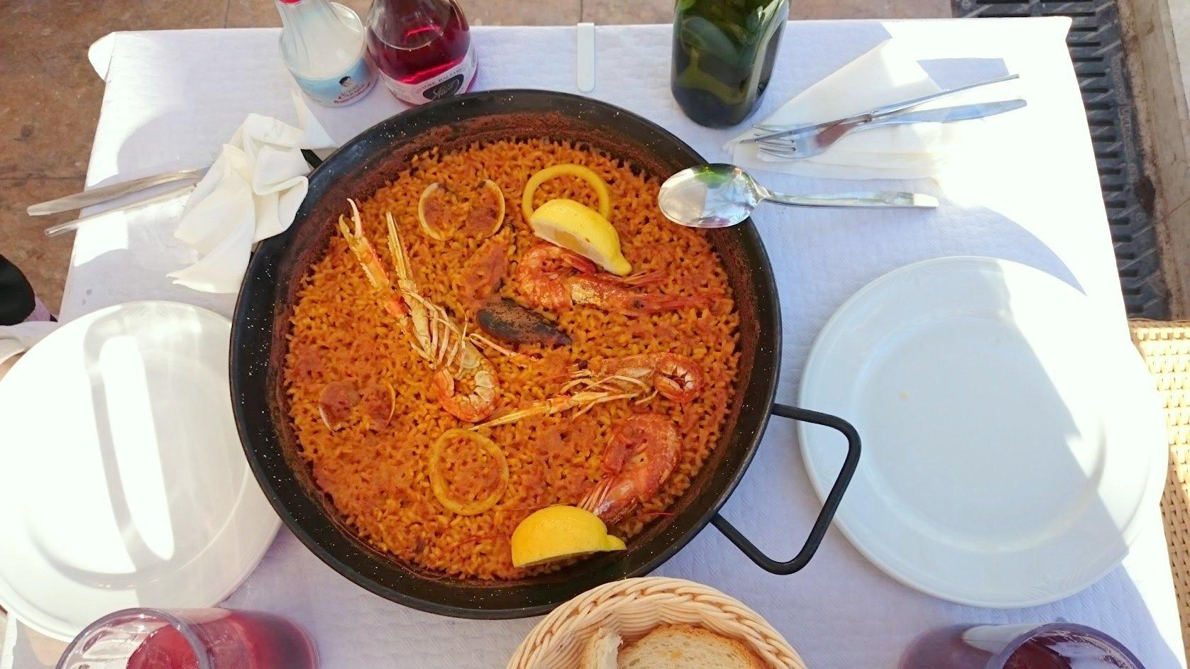 Alicante seafood paella