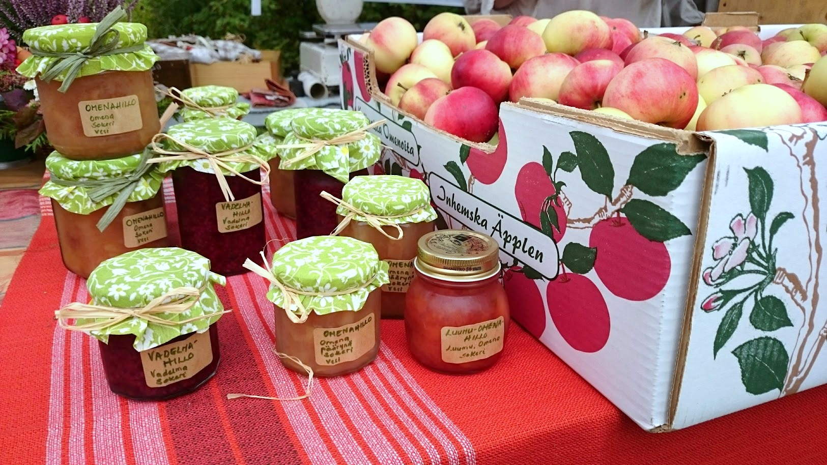 Lohjansaari kekri omenat