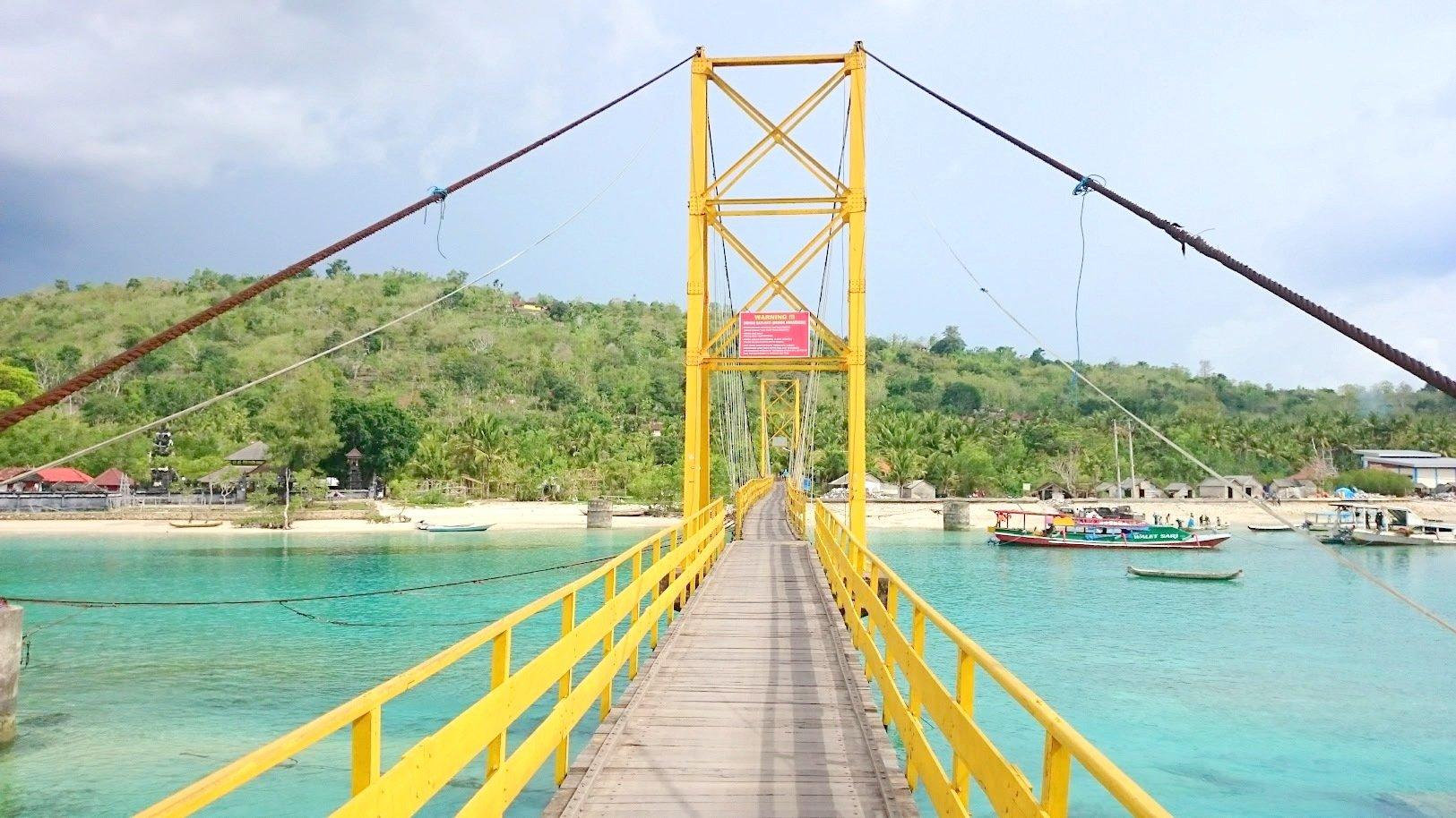 Nusa Lembongan Nusa Ceningan Yellow Bridge silta