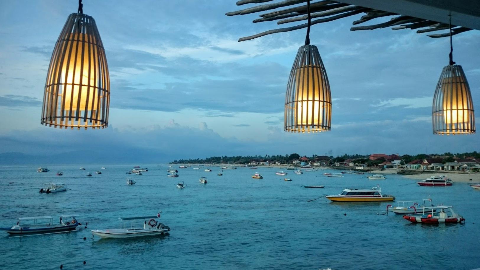 Nusa Lembongan Bali auringonlasku